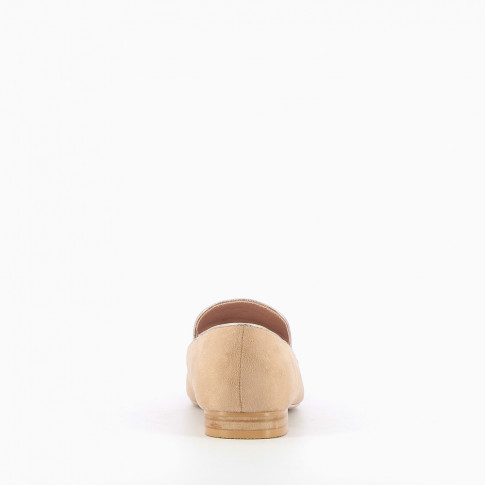 Beige suede-effect tasselled loafers