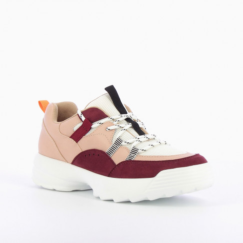 Trek-style sneakers in shades of pink