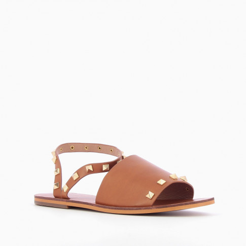 Camel sandals with pyramidal studs