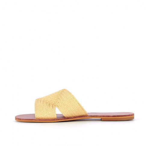Beige mules with straw effect
