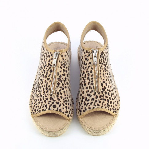 Leopard sandals with braided sole and zip