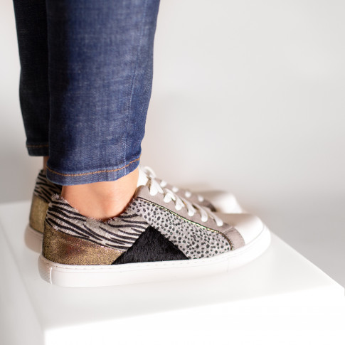 Gray sneakers with geometric yokes