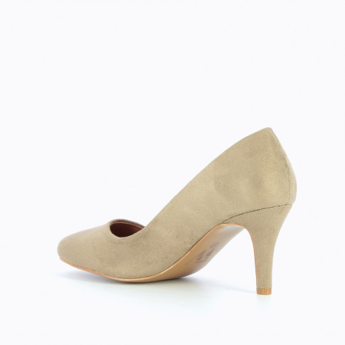 Beige pumps with round toe