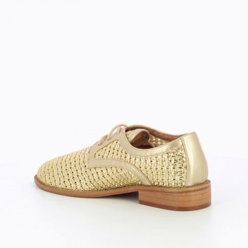 Gold derbies in woven material