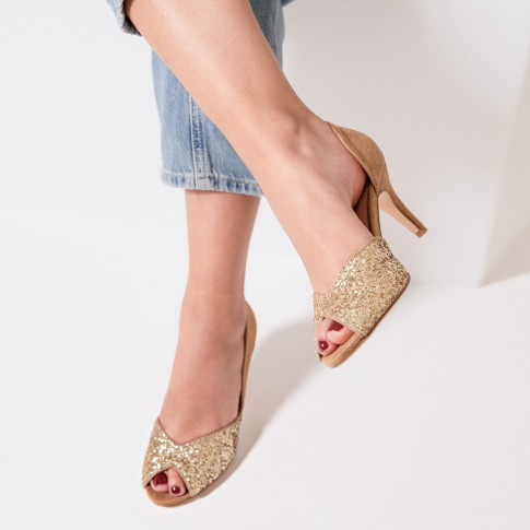 Escarpins peep-toe camel et or