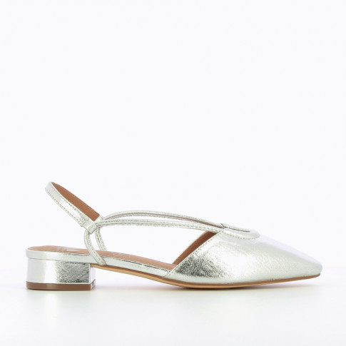 Flat Mary Janes in textured silver
