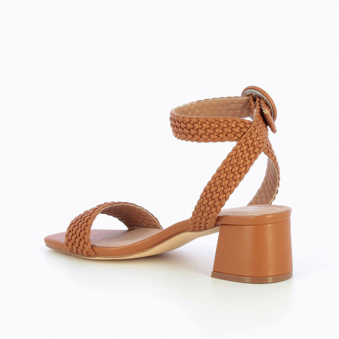 Camel braided sandal with heel