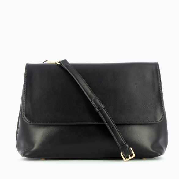 handbag with shoulder strap and flap in black faux leather woman Vanessa Wu with handle