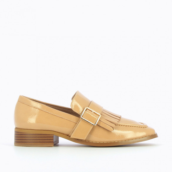 nude patent loafers woman with fringes and square toe Vanessa Wu with buckle