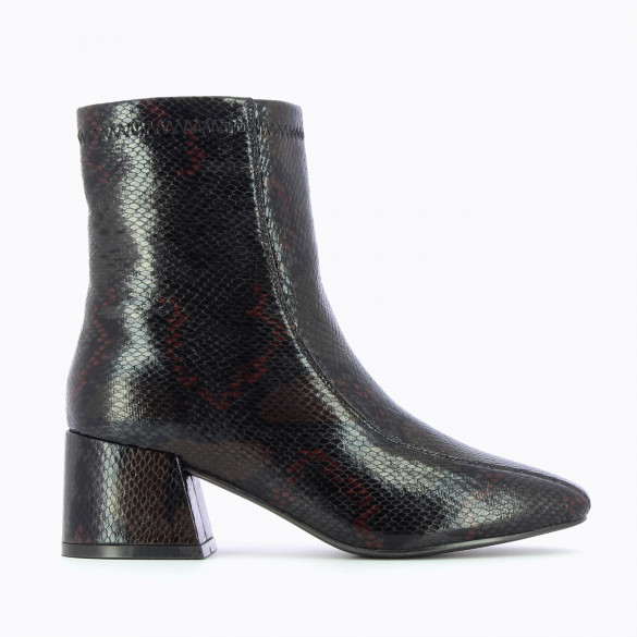 black snakeskin effect high ankle boots with red hints ad heel woman Vanessa Wu with topstitch