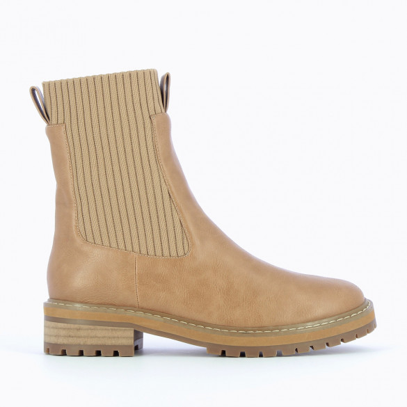 ribbed knit sock boots camel woman withe serrated sole Vanessa Wu
