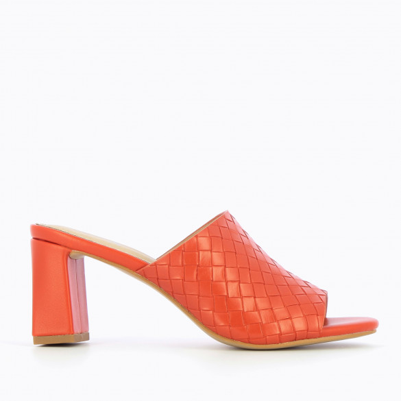 mules 90s brick red woven effect with block heel and open toe woman Vanessa Wu