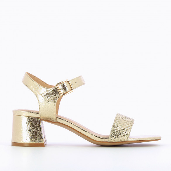 Textured gold sandals woman Vanessa Wu with block heel front strap woven