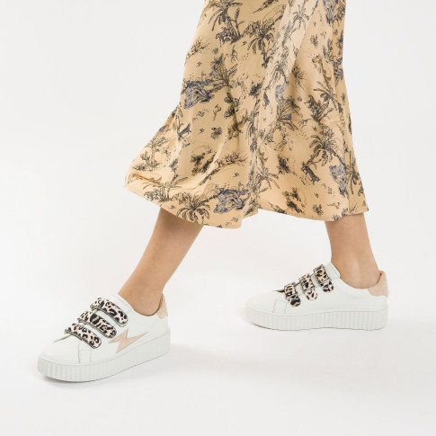White lightning sneakers with beige leopard velcro