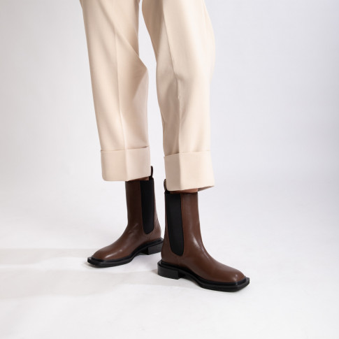 Brown high top Chelsea boots