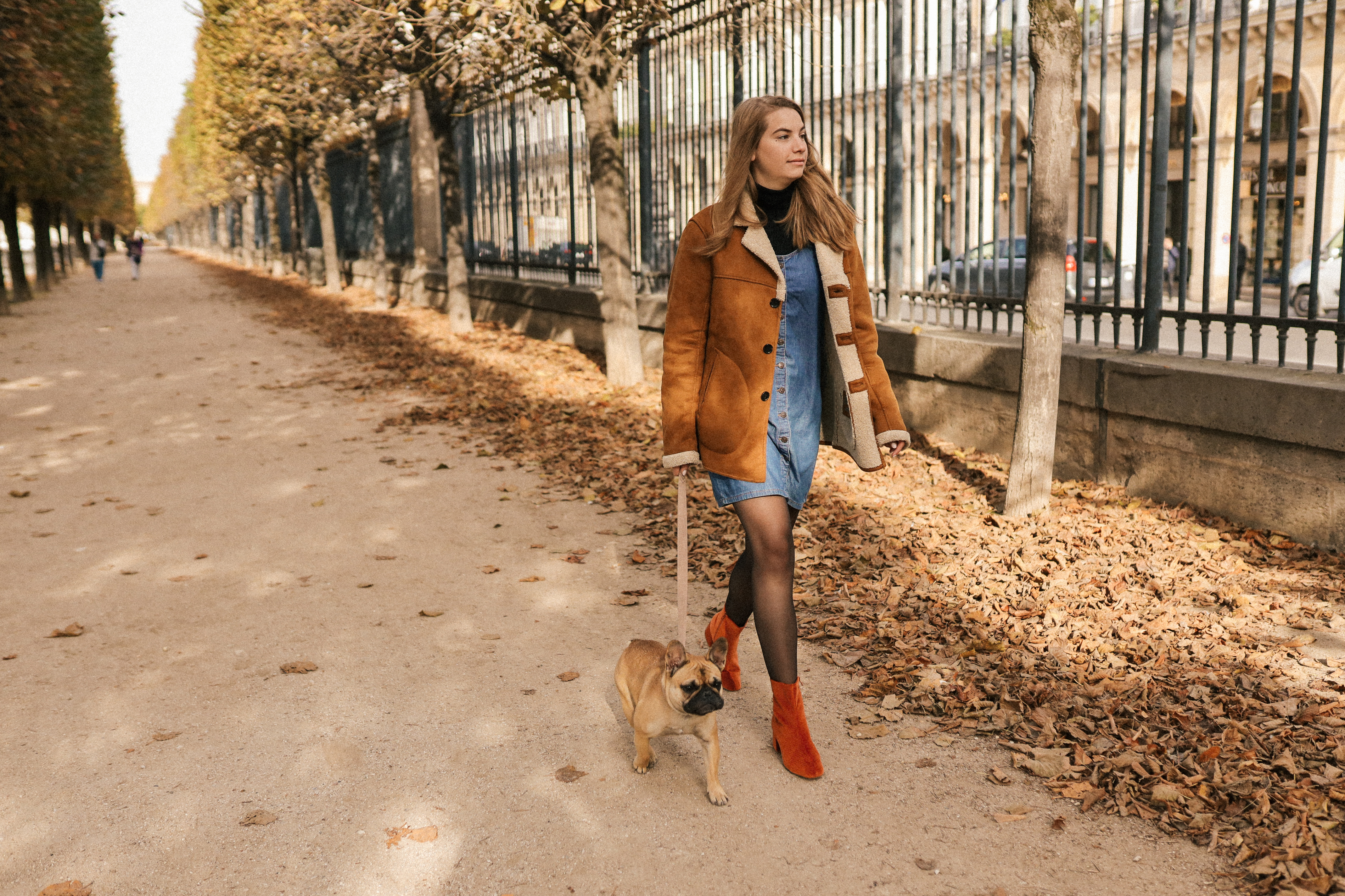 Vanessa-Wu-Terracotta-bottines-velours-rouille