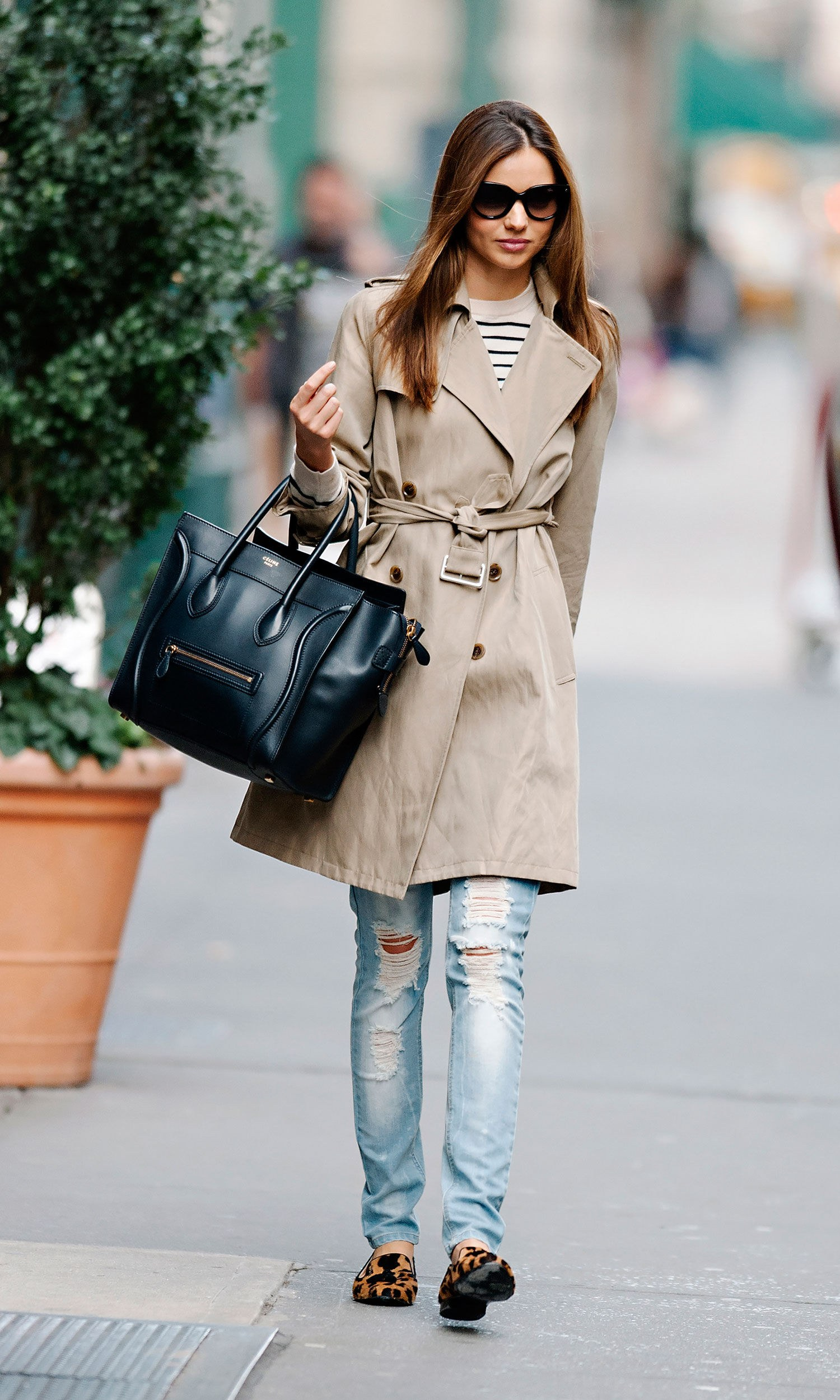 Miranda-kerr-street-style-personal-style-trench-Genius-Outfit-ideas-to-steal-from-Street-Style-Glamour-Vanessa-Wu