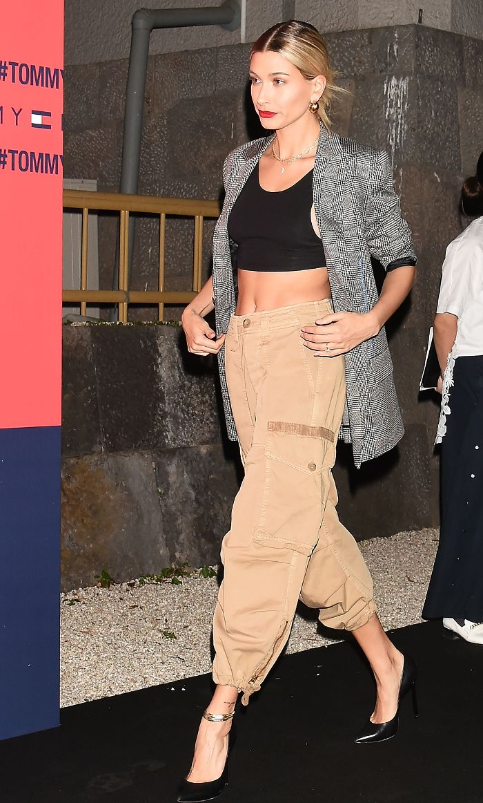 hailey-baldwin-cargo-pants-trend-who what wear