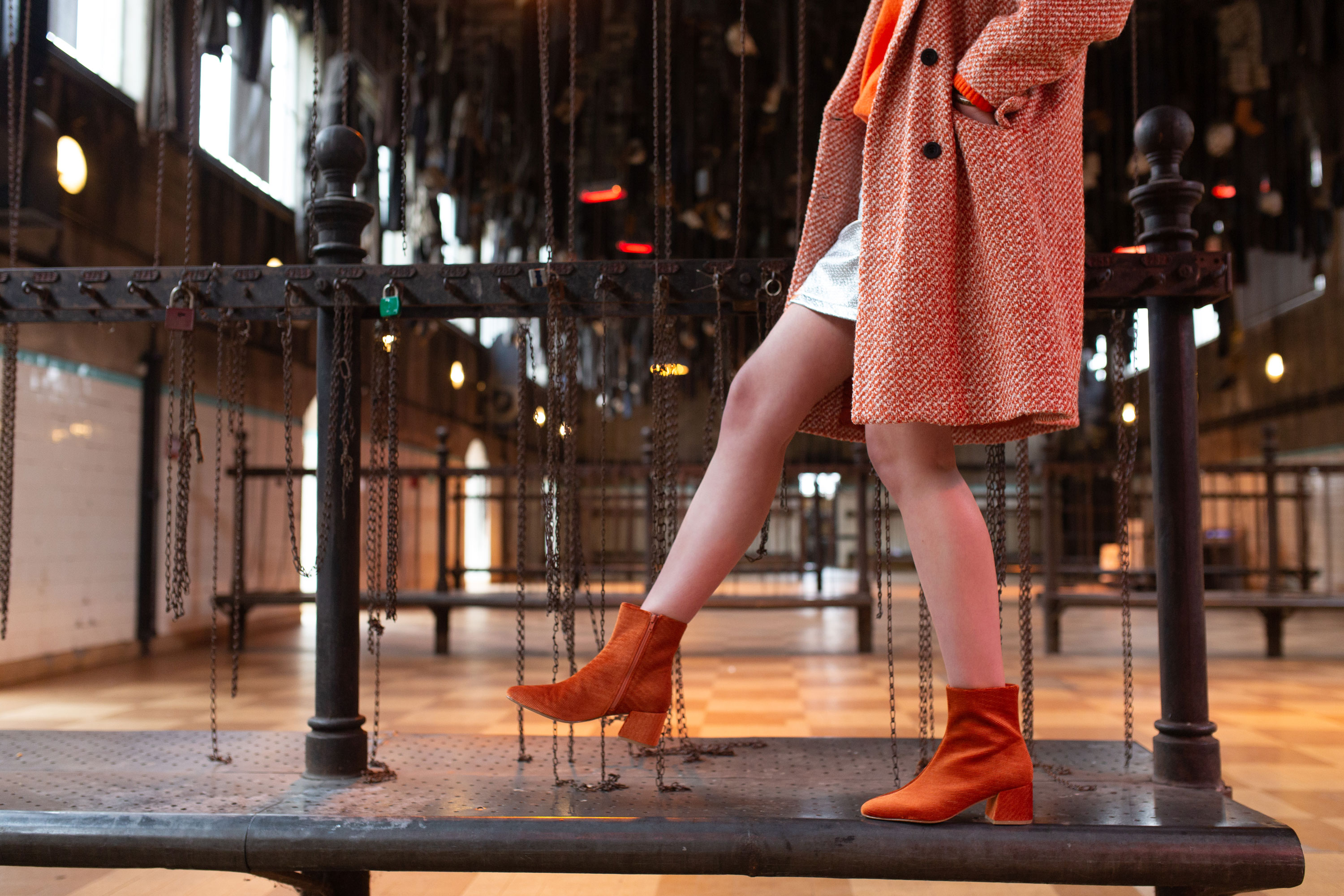 Vanessa-Wu-Bottines-Rouille-Terracotta-Velours